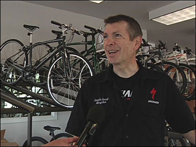 Former pro cyclist opens bike shop in Bandon