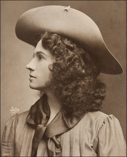 Annie Oakley's gun fetches $143,400 at auction