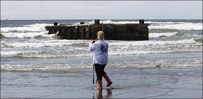 Dock of fame: Tsunami debris attracts visitors to Newport