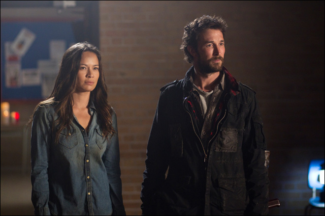 Alien fighter Noah Wyle back in 'Falling Skies'