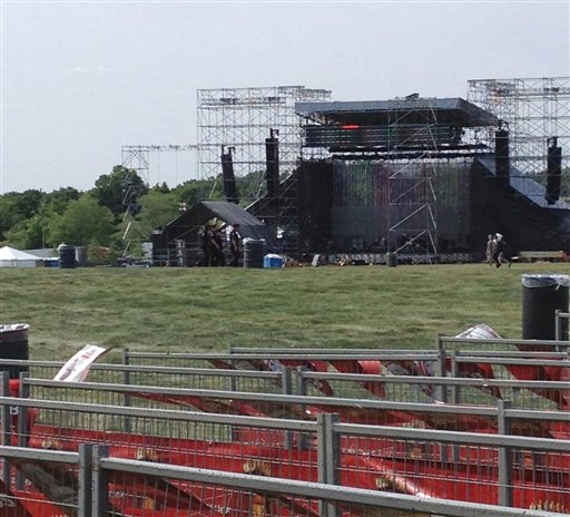 Canada Radiohead Stage Collapse