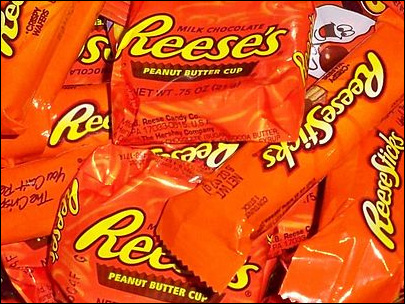 Candy thief steals $600 worth of peanut butter cups