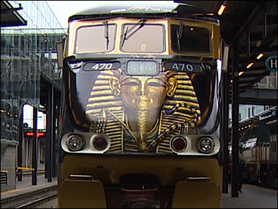 Photos: Amtrak locomotive gets a King Tut makeover