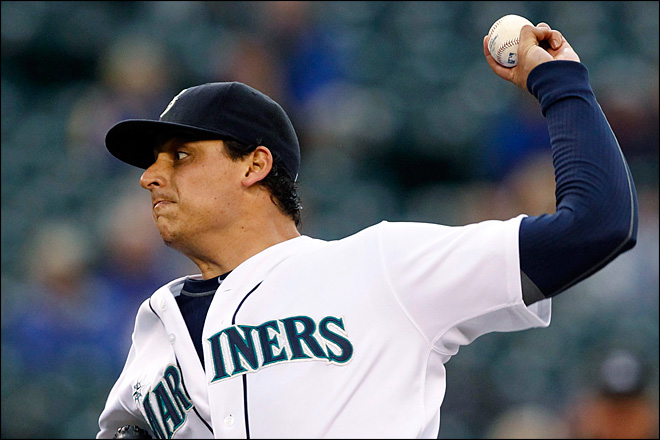 Ryan&#39;s single in 8th lifts Mariners over A&#39;s 3-2