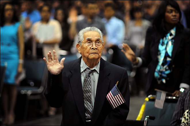 102-year-old man becomes US citizen