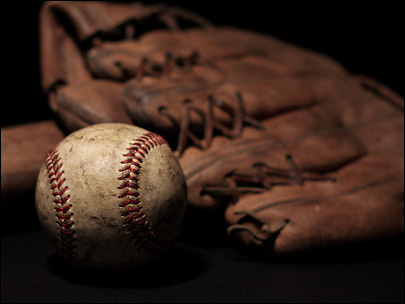 California man admits NY fake Babe Ruth glove ruse