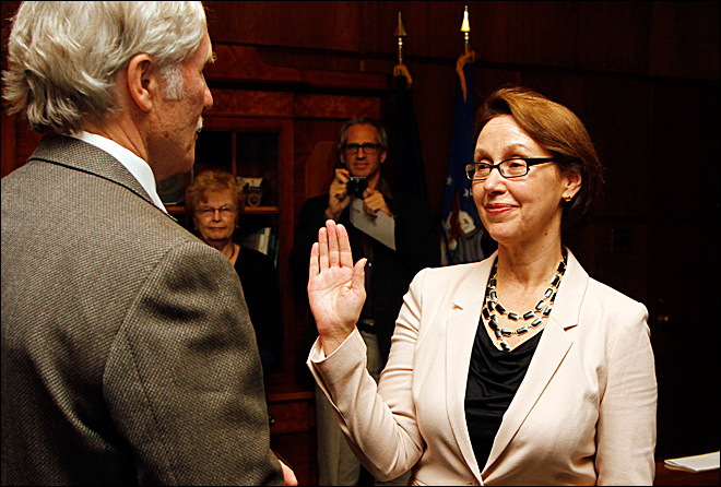 Rosenblum sworn in as Oregon's first female attorney general