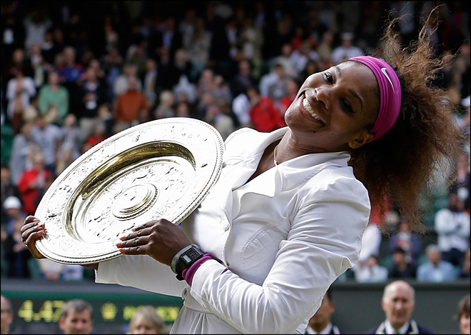 Serena Williams wins 5th Wimbledon title in 3 sets