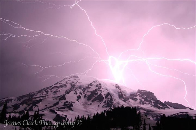 Best weather photos and videos of 2012