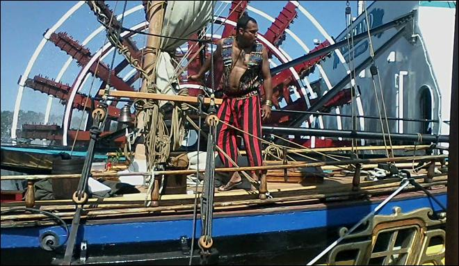 Sternwheeler backs into pirate ship at Portland maritime festival