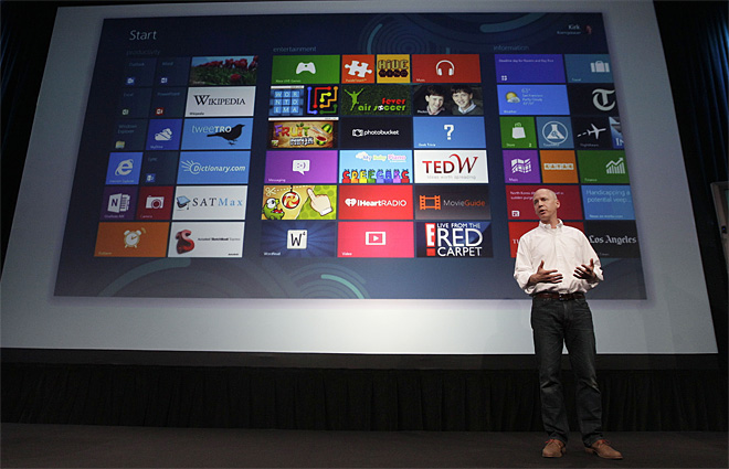 Microsoft: Windows 8 will go on sale Oct. 26