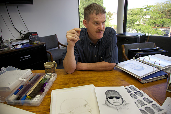 Police sketch artist fights crime with art