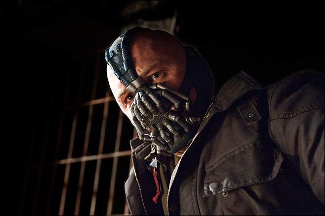 Review: 'Dark Knight' ends as epic letdown