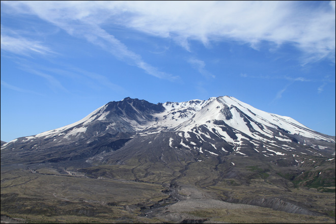 Climbers remember Mount St. Helens eruption 33 years later