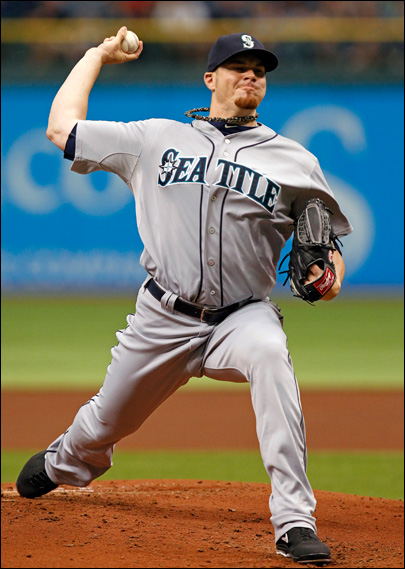 Beavan goes 8 innings as M's beat Rays 2-1