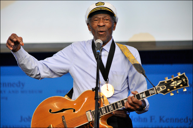 Rock hall of fame in Cleveland honors Chuck Berry