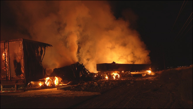 Big rig driver killed in triple truck fiery crash