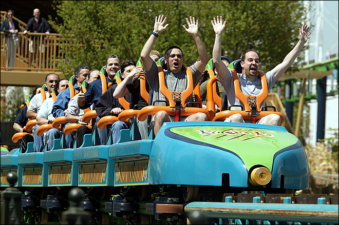 Boy hit in face by bird on N.J. roller coaster