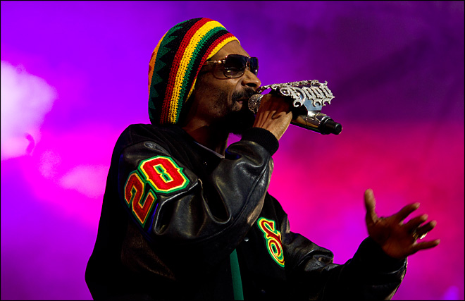 Snoop Dogg becomes Snoop Lion, readies reggae CD