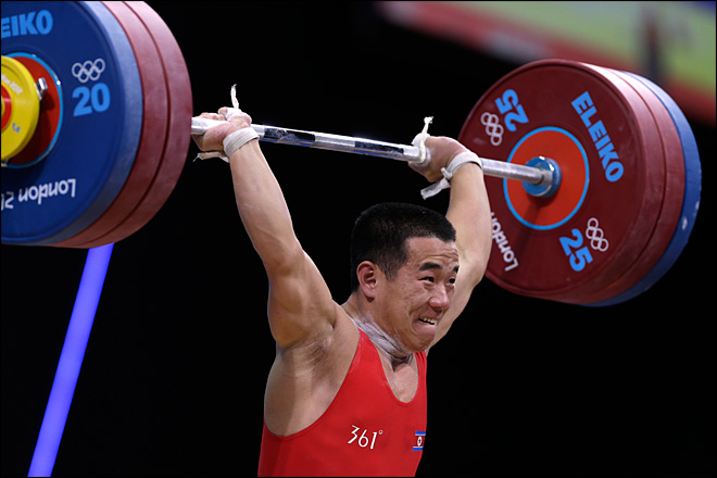 North Korean lifts 3 times body weight for gold