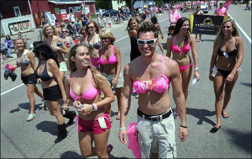 Minn. bikini parade falls far short of record