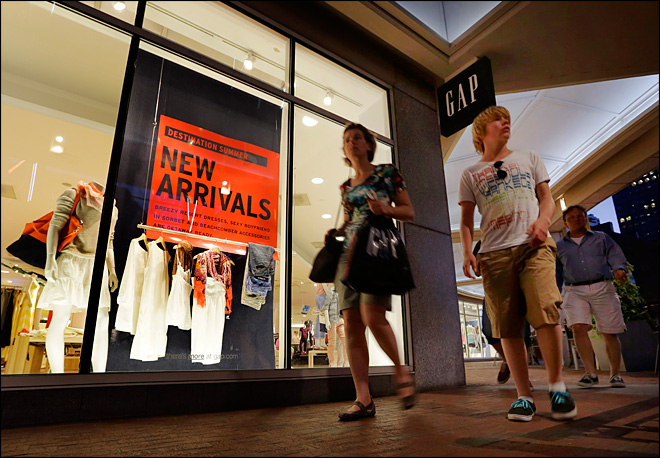 Clearances, heat lured shoppers to spend in July