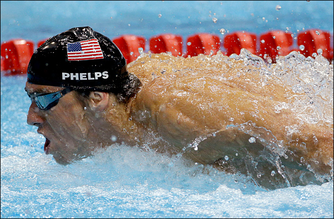 Phelps wins 18th gold medal in final race of his career