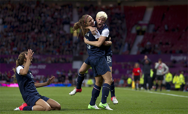U.S. women clinch spot in gold medal game with late goal