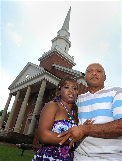 Church apologizes for barring black marriage