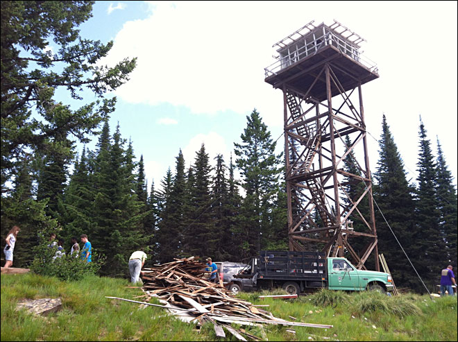 Volunteers renovating historic Idaho lookout