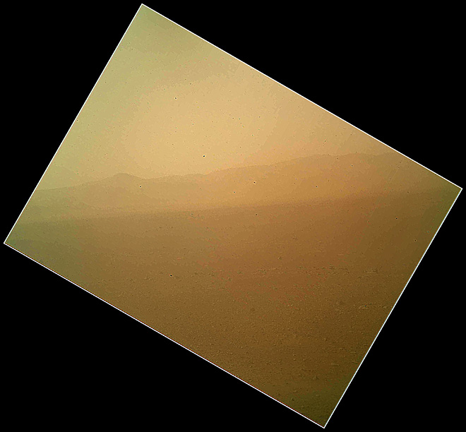 NASA Curiosity rover sends back 1st color picture