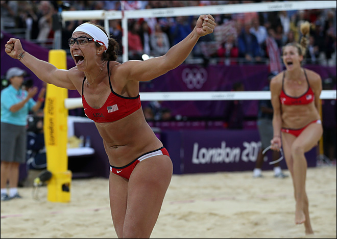 2 U.S. women's teams to play for Olympic beach gold