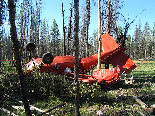 120808_Plane_Crash_01
