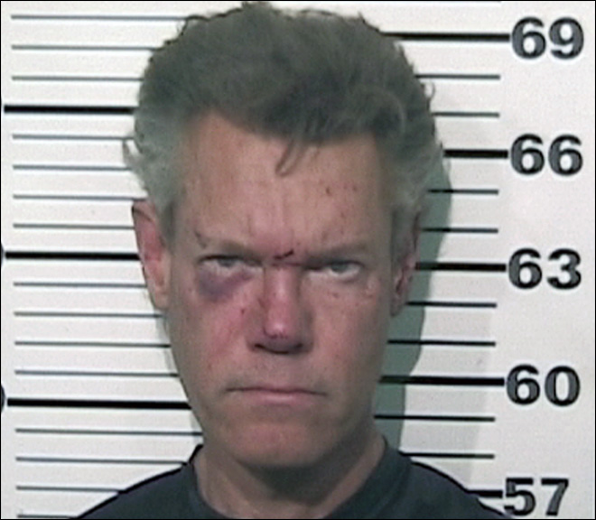 Country star Randy Travis found naked after crash