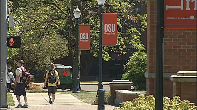 Kitzhaber backs bonds to build on campus