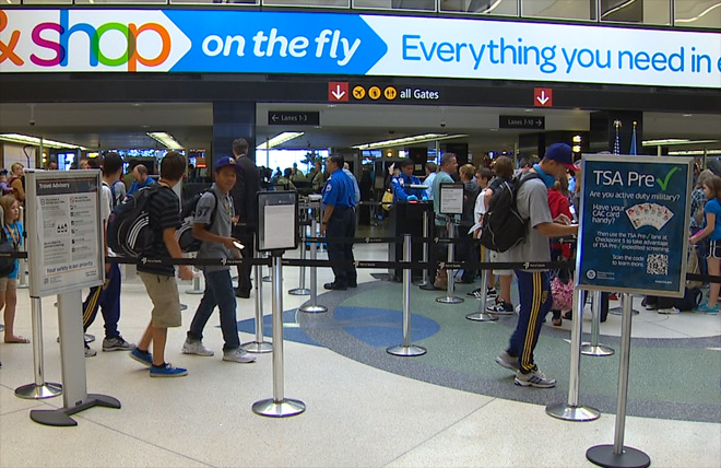 TSA to allow small knives, bats, clubs on planes