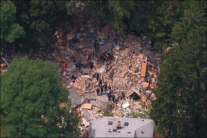 Child dies as blast levels house in NY suburb
