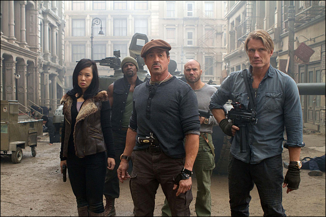 'Expendables 2' brawls to No. 1 with $28 million