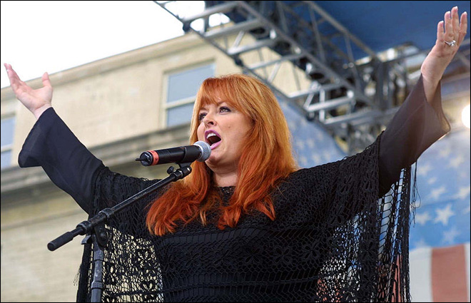 Wynonna Judd's husband injured in motorcycle crash