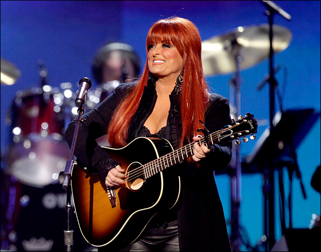 Wynonna Judd's husband loses leg after crash