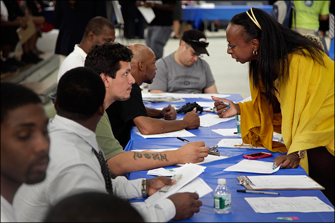 U.S. hiring outlook improves as jobless claims drop