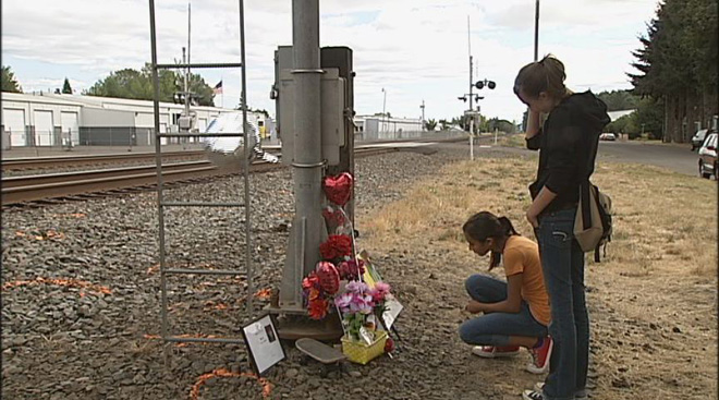 Teenager killed by train in Junction City