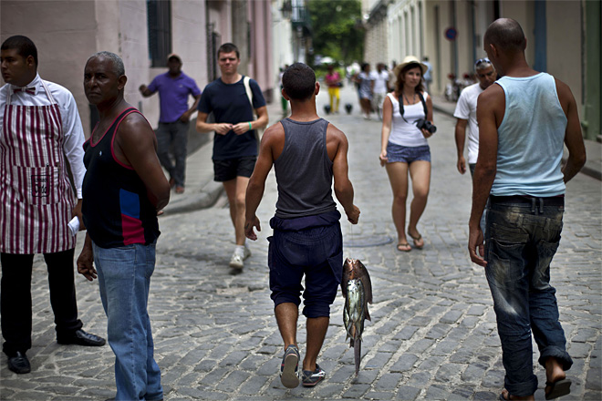 Cuban government to allow residents to travel freely
