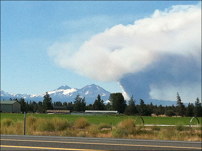 Sisters wildfire grows, prompts evacuation of campsites and trails