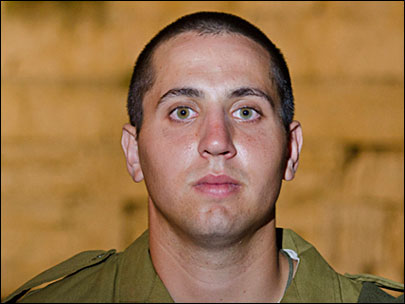 With Syria in chaos, an American joins Israeli paratroopers