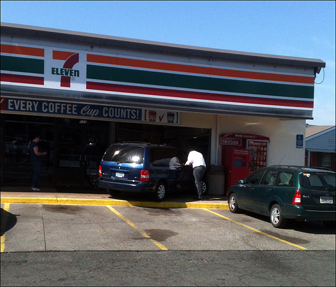 Minivan Crashes Into 7-Eleven