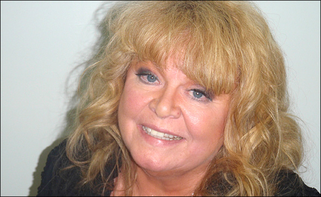 Actress Sally Struthers charged with DUI in Maine