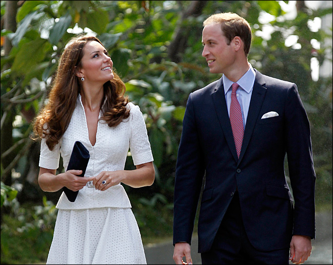 Palace furious over topless Kate photos