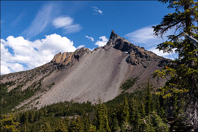 Eugene man injured in fall near summit of Mount Thielsen