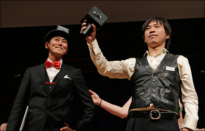 Shut up! Speech jammer among 2012 Ig Nobel winners